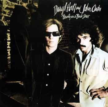 Daryl Hall And John Oates - Beauty On A Back Street