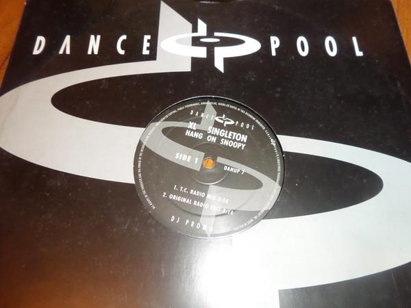 XL Singleton - Hang On Snoopy