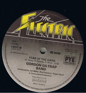 Gordon Giltrap Band - Fear Of The Dark